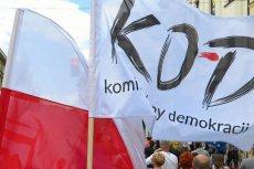 Komitet Obrony Demokracji potępił atak na biuro Beaty Kempy (PiS) w Sycowie. Pisze, że przemocy nie uzasadniają żadne okoliczności.