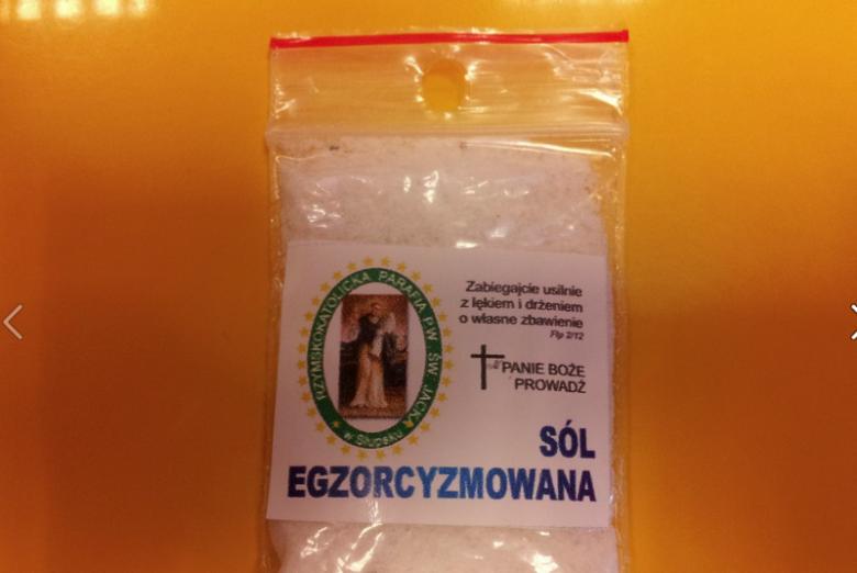 Właśnie tę sól egzorcyzmowanąmiał dostać przedszkolak ze Słupska.
