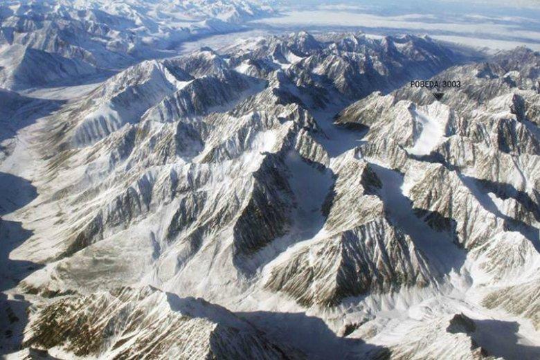 Przyjaciel Tomasza Mackiewicza jako pierwszy w historii zdobył zimą  Pobiedę – najwyższy szczyt Gór Czerskiego.