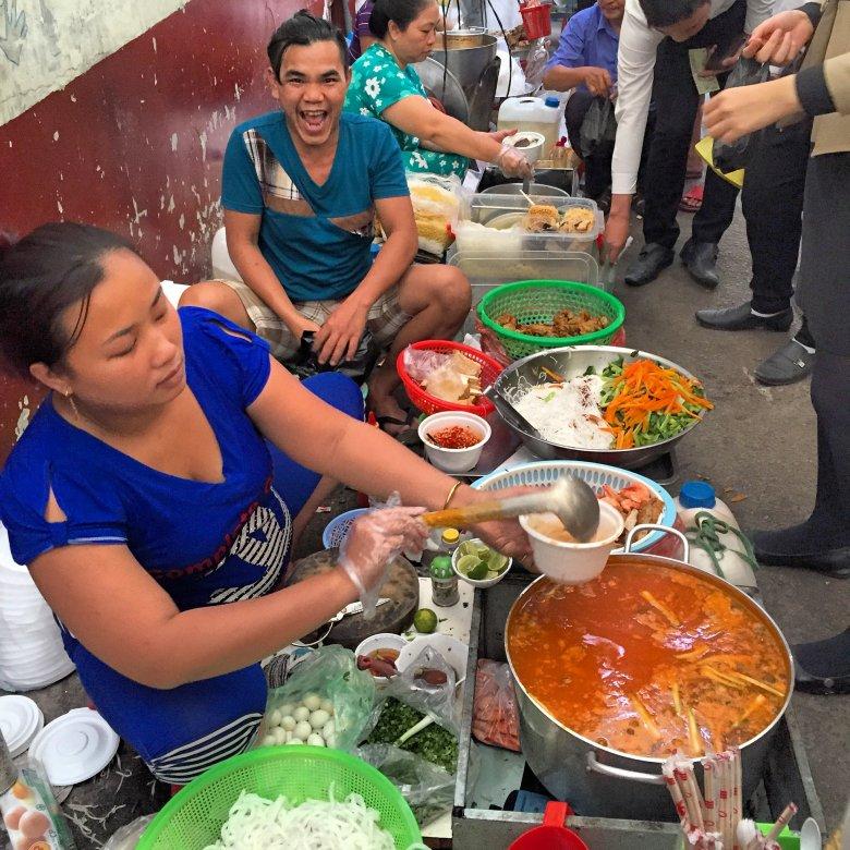 Street food w Sajgonie