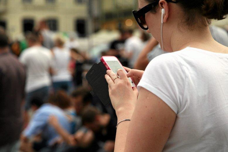 Nomofobia to paniczny lęk przed brakiem telefonu pod ręką. Są sposoby, żeby go uniknąć.