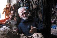 Dla jednych menel, dla innych artysta. Stanisław Zagajewski jest miejską legendą, większą od Czarnego Romana. Swoimi dziełami wdarł się do świata sztuki.