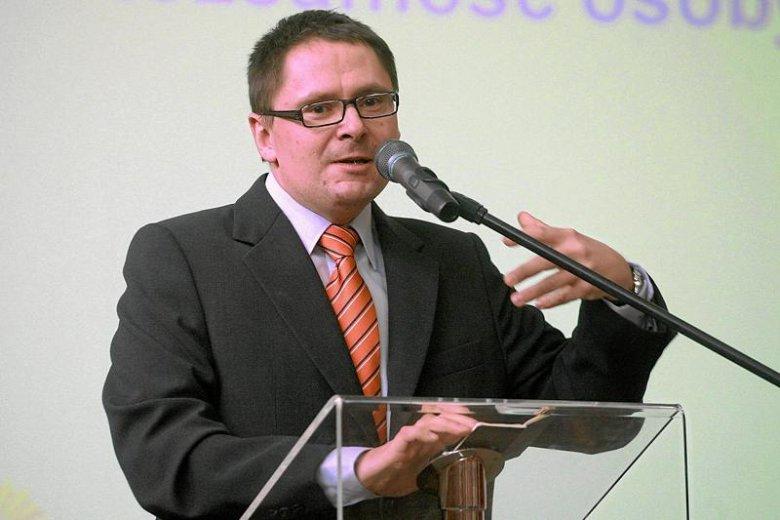 Tomasz Terlikowski ostro skrytykował pomysł Watykanu, by pytać wiernych o zdanie w sprawach rodziny, rozwodów, antykoncepcji i związków jednopłciowych.