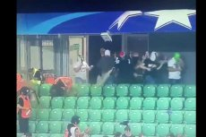 Kibole Legii Warszawa próbowali zaatakować kibiców Borussi Dortmund.