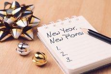 """Jak realizować postanowienia noworoczne, by z czasem nie stały się kolejnymi porażkami na naszym koncie? Karolina Cwalina-Stępniak, autorka poradnika """"Wszystko zaczyna się w głowie"""", podaje nam kilka cennych wskazówek"""