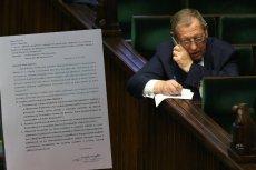 Poseł PO Tomasz Cimoszewicz zapytał Ministerstwo Środowiska o służbowe karty i prawie 1,5 miliona złotych wydanych przez urzędników resortu.