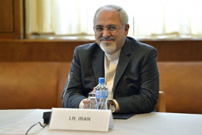 """""""Nasze myśli są z Francuzami i wszystkich katolikami"""" – napisał po pożarze katedry Notre Dame minister spraw zagranicznych Iranu Javad Zarif."""