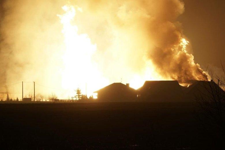 Wybuch i pożar gazociągu w Murowanej Goślinie pod Poznaniem. Ewakuowano 20 osób, na szczęście nikt nie odniósł obrażeń.
