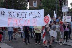 Mieszkańcy Raszówki i kilku innych miejscowości zablokowali pociąg specjalny Legnica-Lubin.