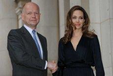 Angelina Jolie i lord William Hague będą profesorami wizytującymi w London School of Economics.
