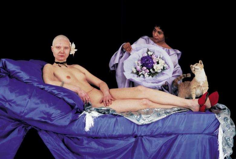 Katarzyna Kozyra, Olimpia, 1996, 3 fotografie, film wideo. Z kolekcji Barbary Kabala-Bonarskiej i Andrzeja Bonarskiego, depozyt w Muzeum Narodowym w Krakowie