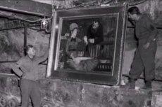 Część skradzionych przez nazistów dzieł sztuki została przejęta przez aliantów jeszcze podczas wojny lub zaraz po jej zakończeniu