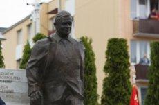 W lipcu w Kraśniku odsłonięto pomnik smoleński oraz rzeźbę Lecha Kaczyńskiego.