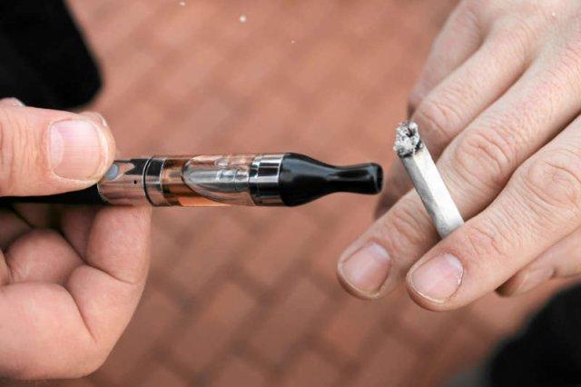 Koncerny farmaceutyczne lobbowały w PE przeciwko e-papierosom?
