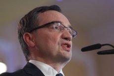 """Zbigniew Ziobro odpowiedział na okrzyki """"Konstytucja!"""" czy """"Wolne sądy!""""."""