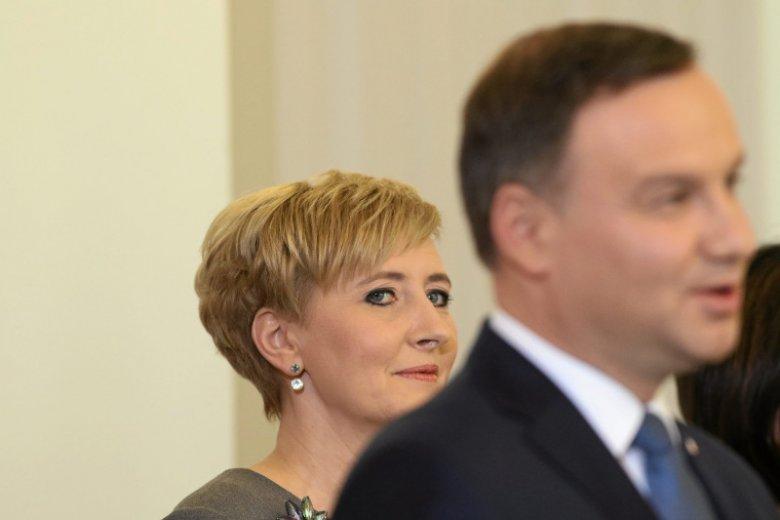"""Agata Kornhauser-Duda: """"Za Andrzejem stoję ja i moja córka. I tego nic nie zmieni""""."""
