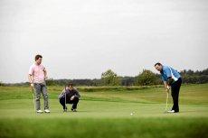 - Co raz więcej Polaków gra w golfa. Szczególnie tych młodych - twierdzi nasz rozmówca