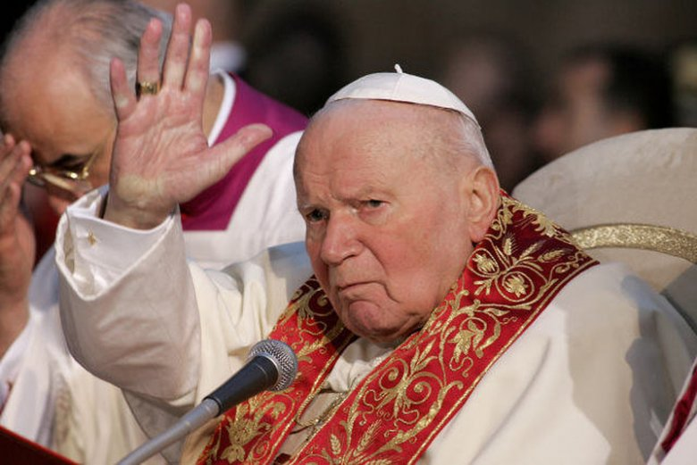 """W sieci roi sięod treści, które – jak pisząkatolickie portale - """"szkalują i znieważają"""" papieża Jana Pawła II"""