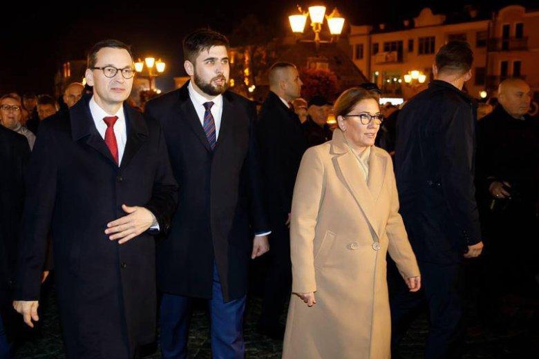 Premier Morawiecki, prezes Kaczyński i kilku ministrów mocno poparli Jakuba Banaszka na prezydenta Chełma.