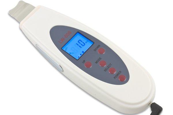 Przykładowe urządzenie do peelingu kawitacyjnego