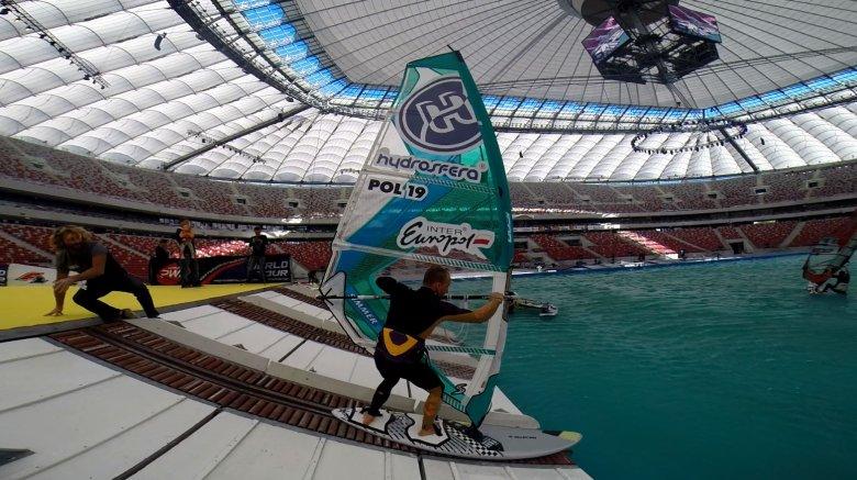 Stadion Narodowy był nawet miejscem zawodów windsurfingowych.