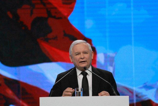 """Kaczyński gra zdrowiem w sprawie uchodźców. """"Są już objawy pojawienia się chorób bardzo niebezpiecznych: cholera i dyzenteria"""""""