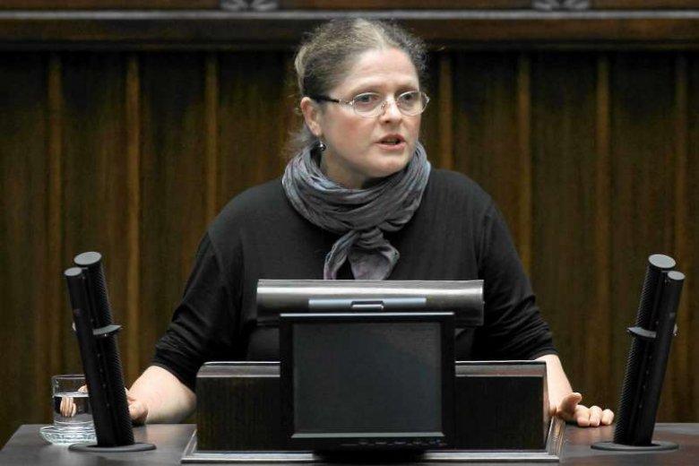 """Prof. Krystyna Pawłowicz o związkach partnerskich: """"Mogę się wypowiadać! W taki sposób, jak Ojciec Święty, który też nie ma dzieci""""."""