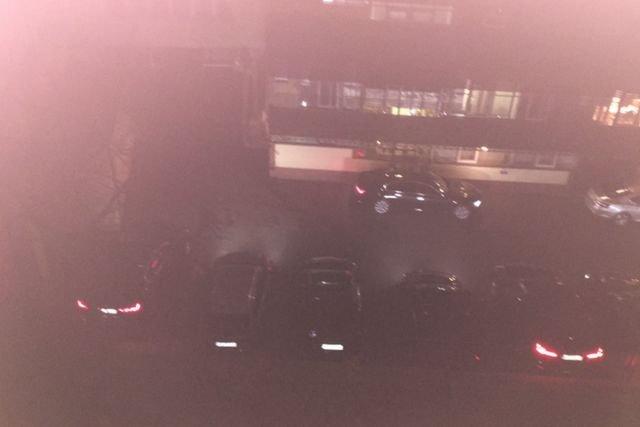 BOR-owcy zostawili samochody z włączonymi silnikami podczas czterogodzinnego spotkania w siedzibie PiS.