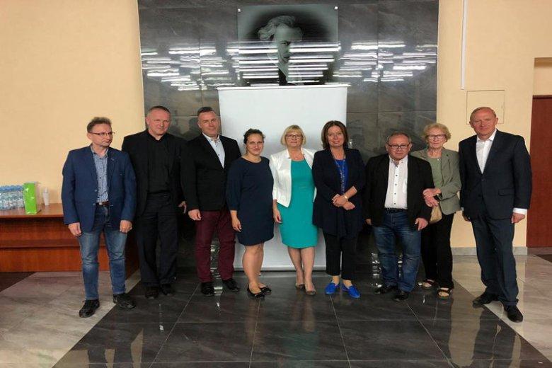 Klub na spotkaniu z wicemarszałek Kidawą-Błońską i księdzem Lemańskim.