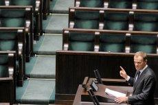 Premier Donald Tusk odpowiada na pytania posłów po wygłoszeniu swojego expose.