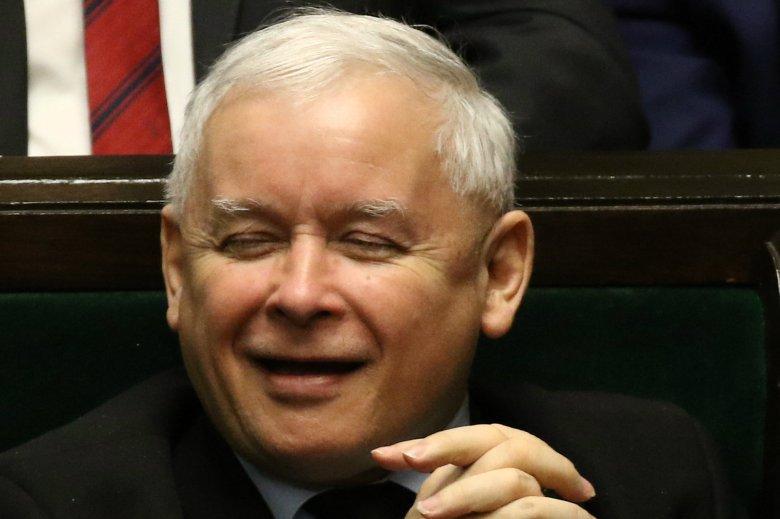 """Jarosław Kaczyński powiedział podczas konwencji PiS o ewentualnej zmianie """"formuły zwrotu"""" pieniędzy."""