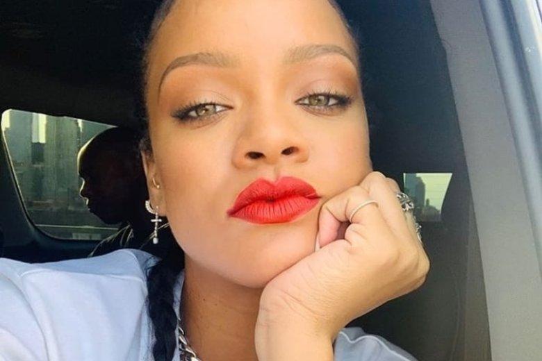 """Rihanna udzieliła wywiadu """"Vogue'owi""""."""