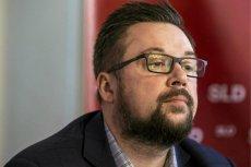 Poseł Marcin Kulasek po raz kolejny tłumaczy się ze swoich słów w wywiadzie o hotelu poselskim.