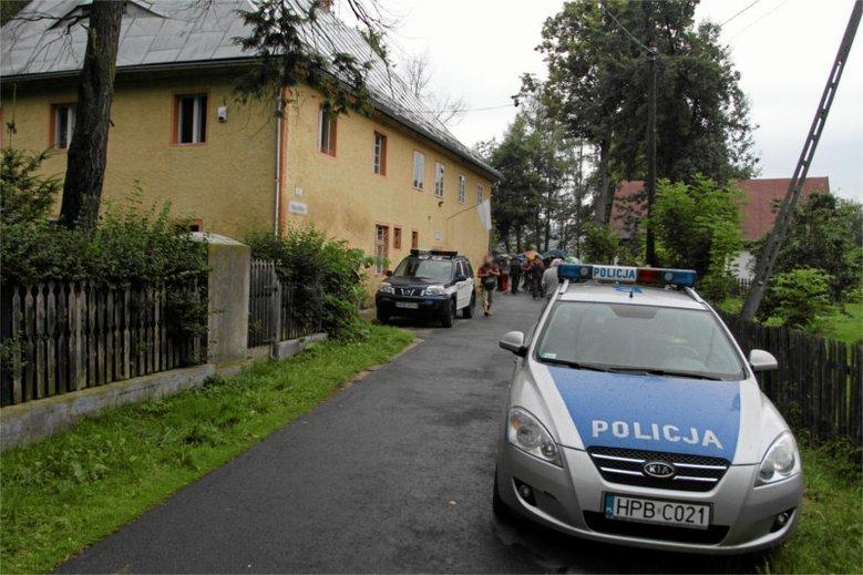 Nowe informacje ws. zabójstwa 9-miesięcznej dziewczynki w Olecku. Sąsiedzi mówią o tajemniczym mężczyźnie.