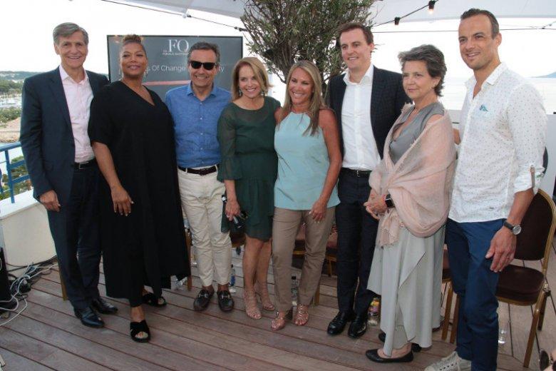 Globalny CMO P&G Marc Pritchard wraz uczestnikami Festiwalu Kreatywności w Cannes.