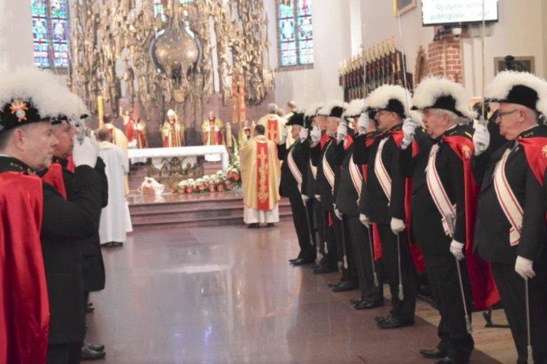 Rycerze Kolumba to największa organizacja świeckich katolików na świecie.