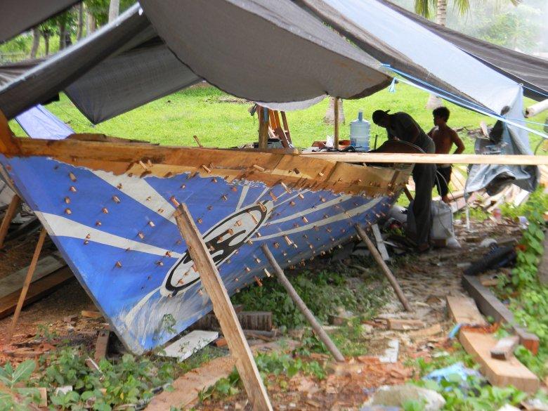 Naprawa łodzi, Gili Air.