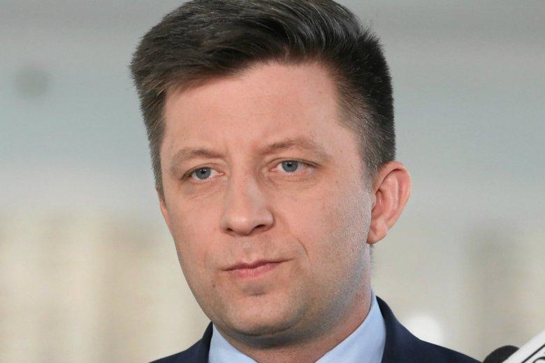 Michał Dworczyk uciekł przed kamerami, gdy dostał pytanie o oświadczenie majątkowe.