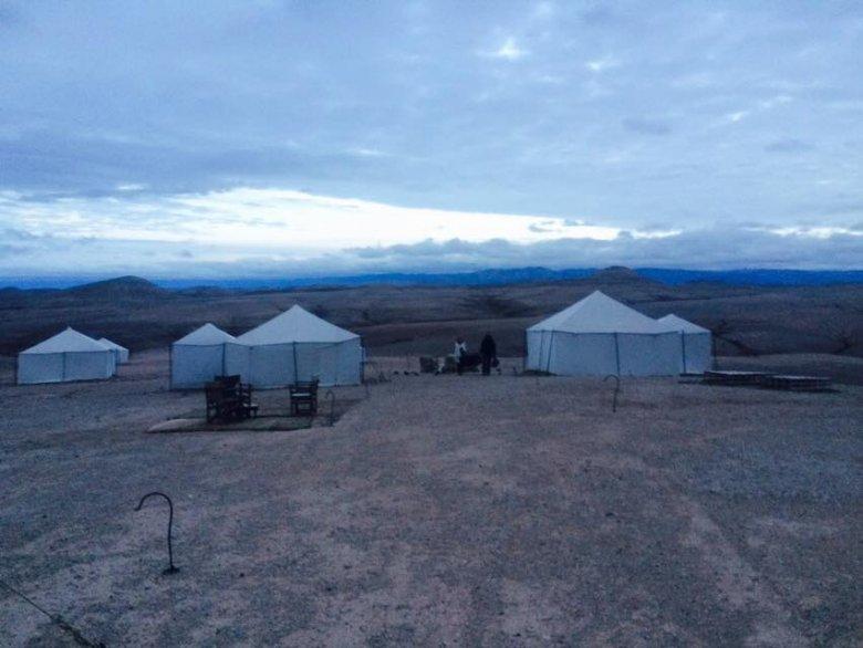 W takich namiotach mieszka się na pustyni. Czuliśmy się jak na jakiejś innej planecie.