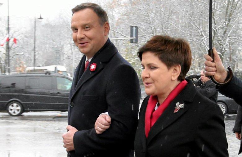 Andrzej Duda wymyślił szuka pracy dla Beaty Szydło.
