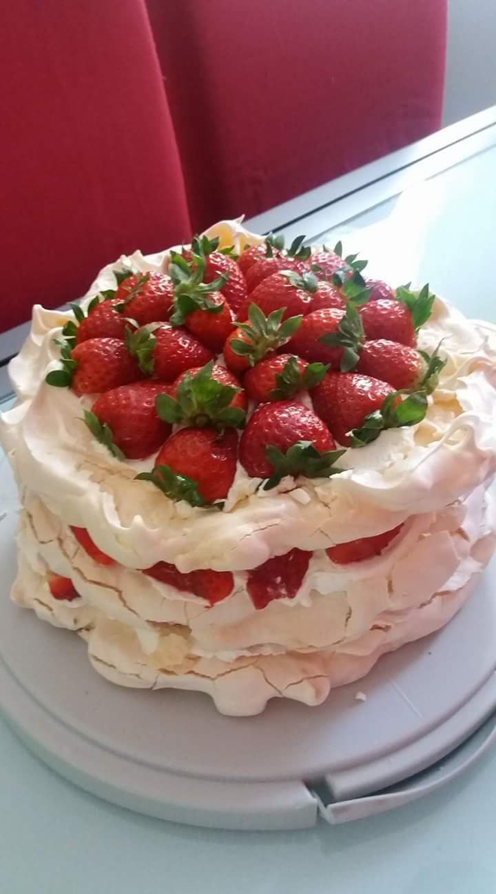 Tort bezowy Sylwii