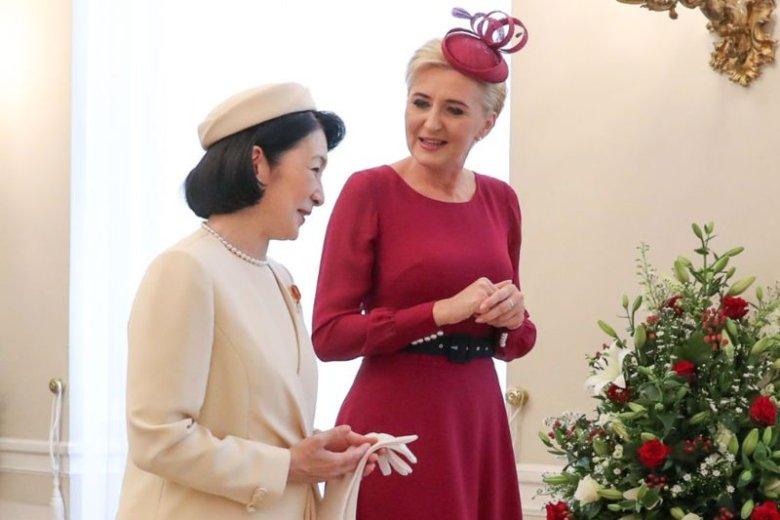 Pierwsza dama porozmawiała z księżną o czytelnictwie.