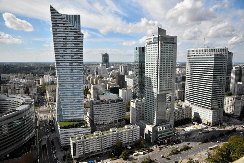 """Wojewoda blokuje budowę 6 wieżowców w Warszawie, pozwala na """"Nycz Tower""""."""