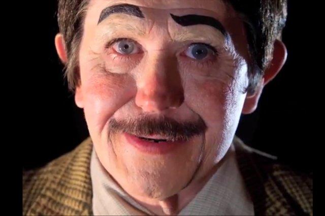 "Gary Oldman jako lalka w filmiku z cyklu ""A Touch of Evil"""