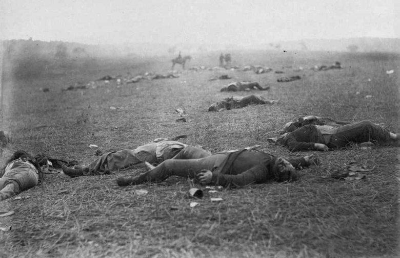 Polegli na polu bitwy pod Gettysburgiem, Pensylwania, lipiec 1863-fot.Timothy H. O'Sullivan