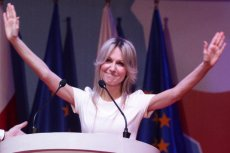 Magdalena Ogórek wyjaśniła widzom stacji TVN24, że w trakcie kampanii prezydenckiej biel była jej znakiem rozpoznawczym
