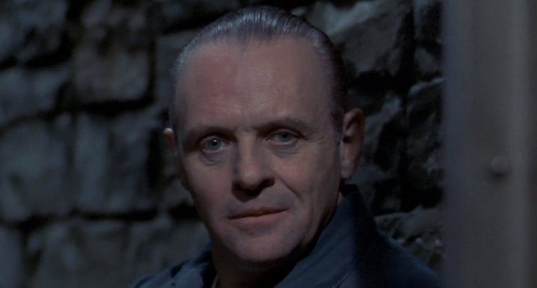 """Nagrodzony Oscarem Anthony Hopkins w roli mordercy-kanibala w filmie """"Milczenie owiec"""" z 1991 roku"""