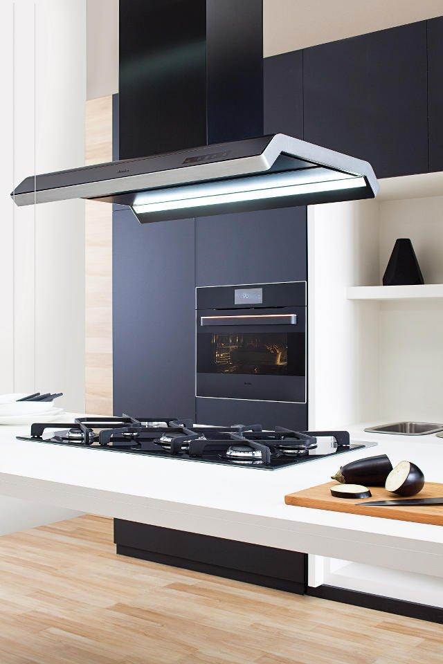 Amica IN. daje wiele możliwości wkomponowania urządzeń i dopasowania ich do charakteru wnętrza kuchni.
