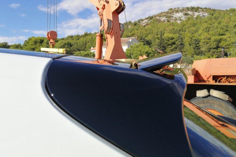 Tak wygląda spoiler w Porsche Panamera Sport Turismo.