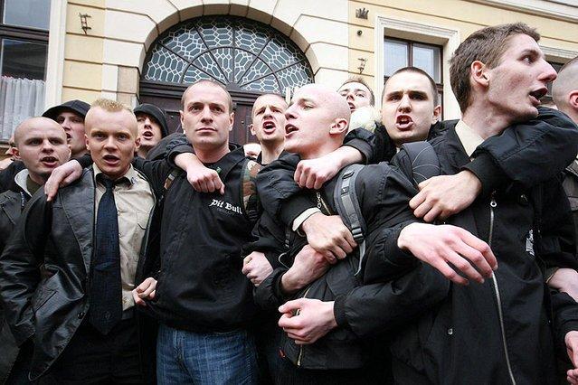 Przed Katolickim Uniwersytetem Lubelskim doszło dziś do bójki między protestującymi przeciwko konferencji Ordo Iuris, a członkami organizacji skrajnie prawicowych. Zdjęcie stanowi jedynie ilustrację do tekstu.